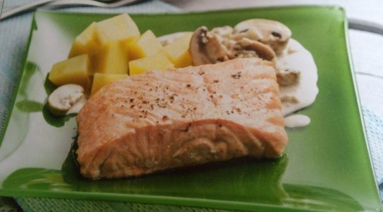 Salm n con salsa de champi ones y patatas el bote de mam - Salmon con champinones ...